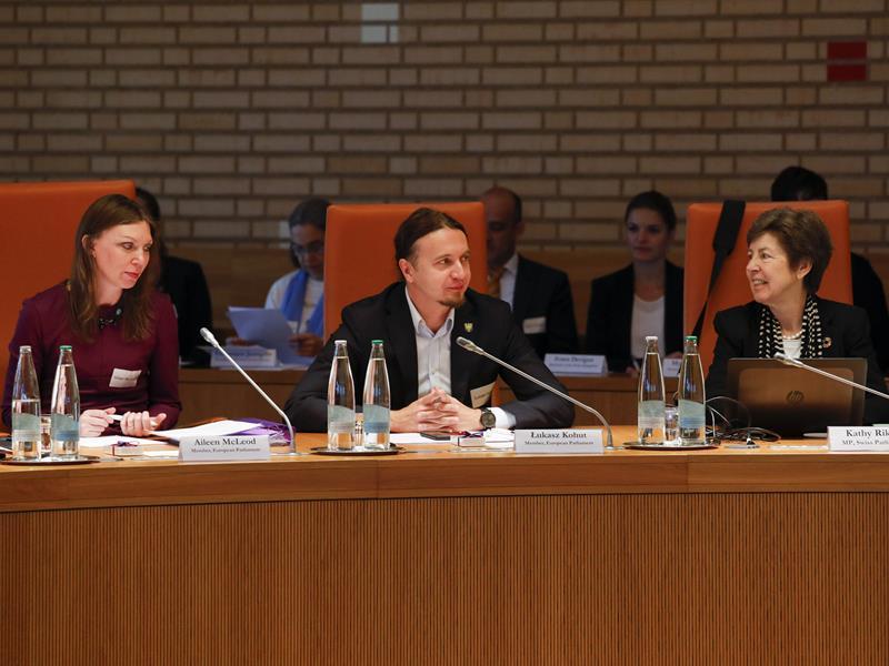 Teilnehmer der Konferenz seitens des Europäischen Parlaments und der Schweiz (Foto: Paul Trummer)