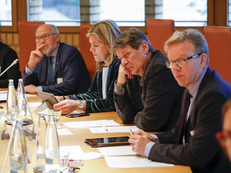 Die norwegische und die isländische Delegation (Foto: Paul Trummer)