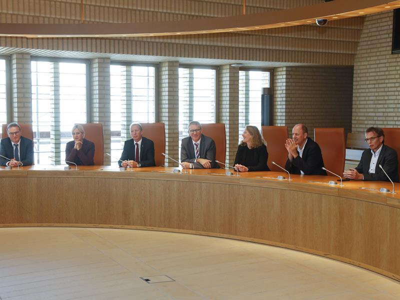 Landtagpräsidium empfängt Landratsbüro des Kantons Nidwalden